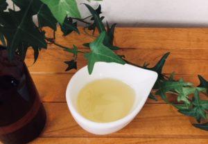 キャリアオイル(ベースオイル)は、ライスブランオイルとスイートアーモンドオイル
